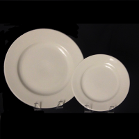 "<h5>Classic Ivory China</h5><p>10"" Dinner plate, 7"" Salad plate, (6"" B&B plate, 9"" Lunch plate Also available)</p>"