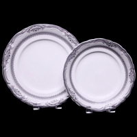 "<h5>Vanessa Platinum</h5><p>10"" Dinner plate, 9"" Lunch plate, (7""Salad/cake plates, 6"" B&B plates Also available)</p>"