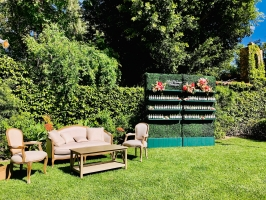 <h5>Artificial Hedge w/shelves </h5><p>Also available without shelves </p>